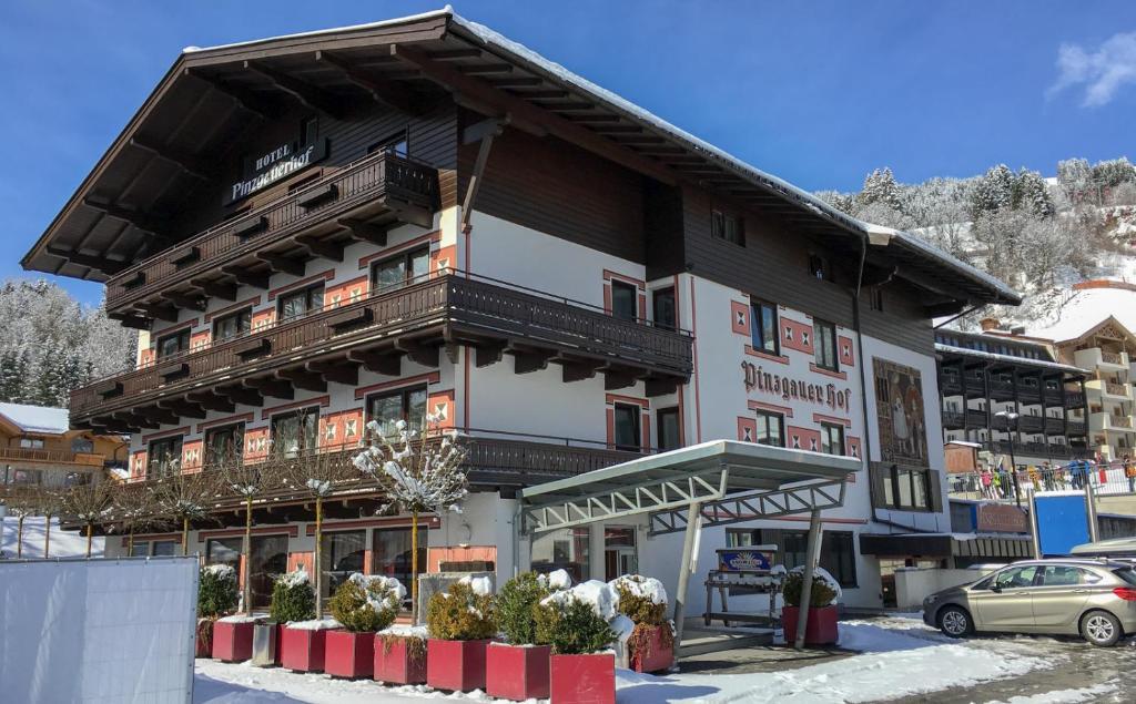 Hotel Pinzgauerhof by Skinetworks Saalbach Hinterglemm, Austria