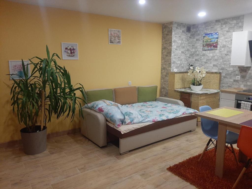 Łóżko lub łóżka w pokoju w obiekcie Noclegi u Pauliny i Pawła