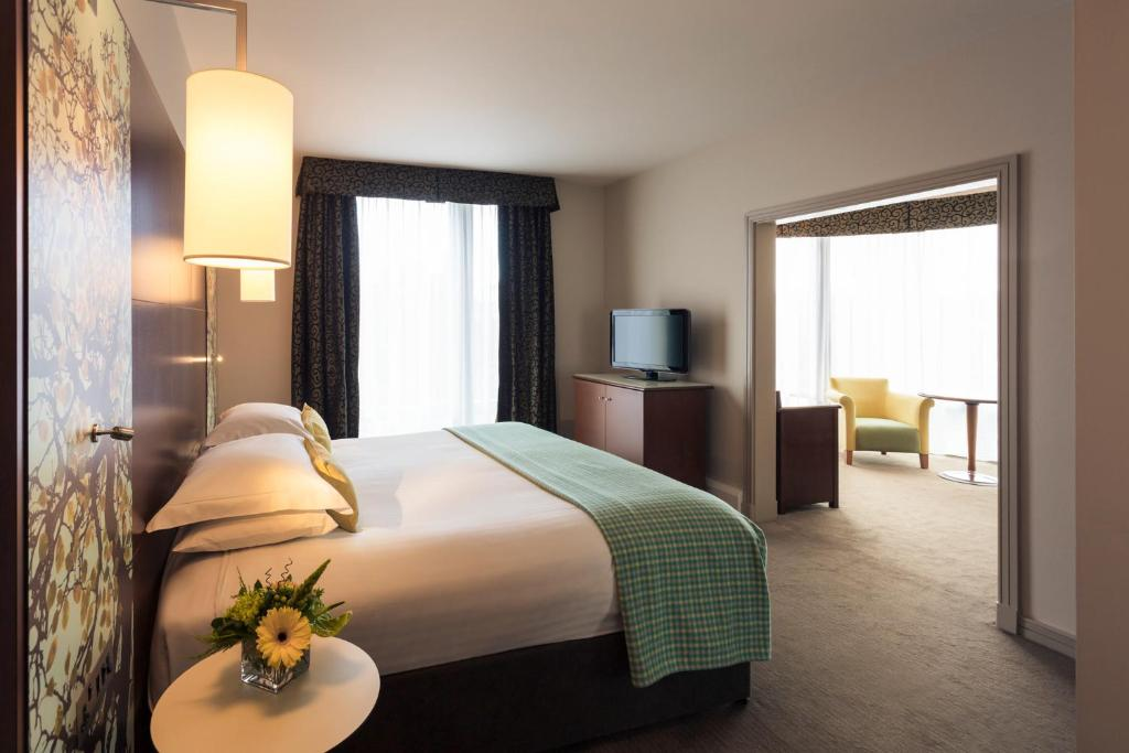 Mercure Sheffield St Paul's Hotel and Spa - Laterooms