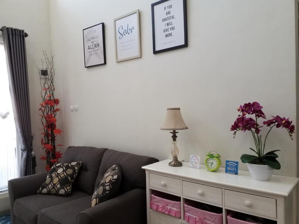 A seating area at Villa Kayana E3 Batu - 3 Bedroom