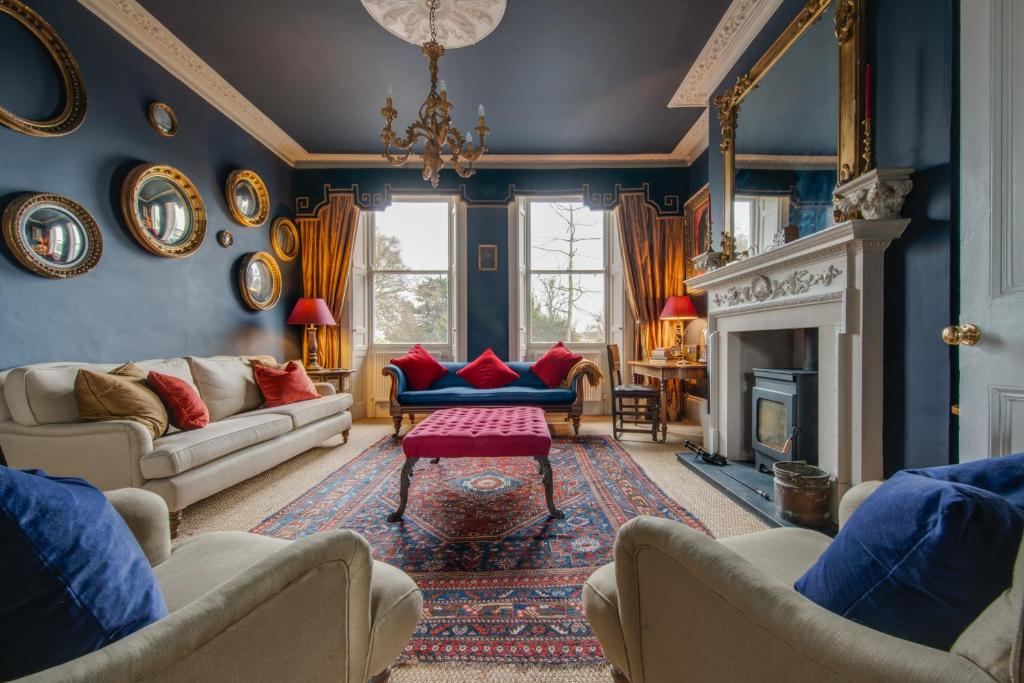 A seating area at The Montpellier Townhouse