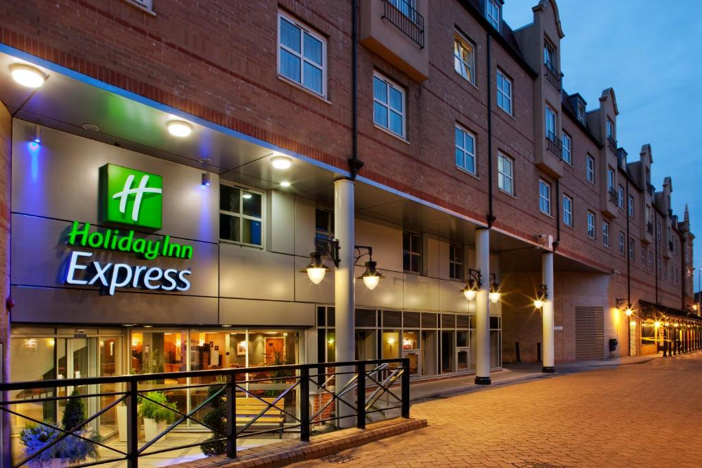 The Holiday Inn Express London - Hammersmith.