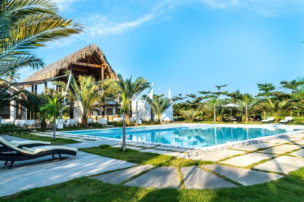 Coconut Paradise Beach Hotel