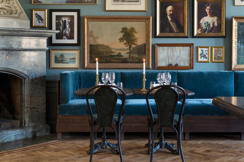 A restaurant or other place to eat at Näsby Slott