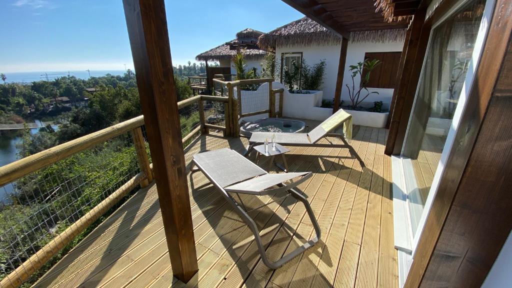 En balkong eller terrass på Hotel Selwo Lodge - Animal Park Tickets Included