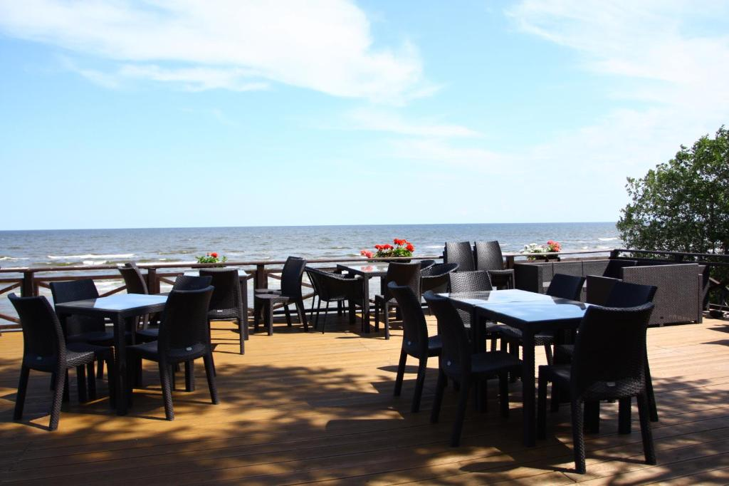 A restaurant or other place to eat at Villa Anna
