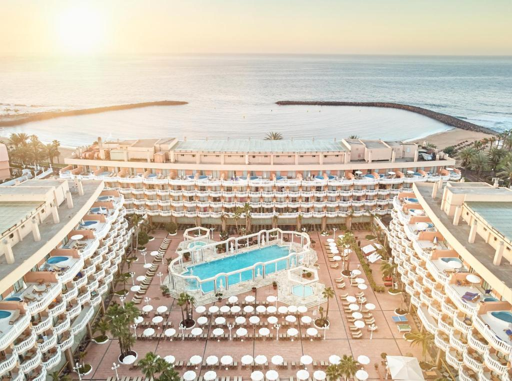 A bird's-eye view of Hotel Cleopatra Palace