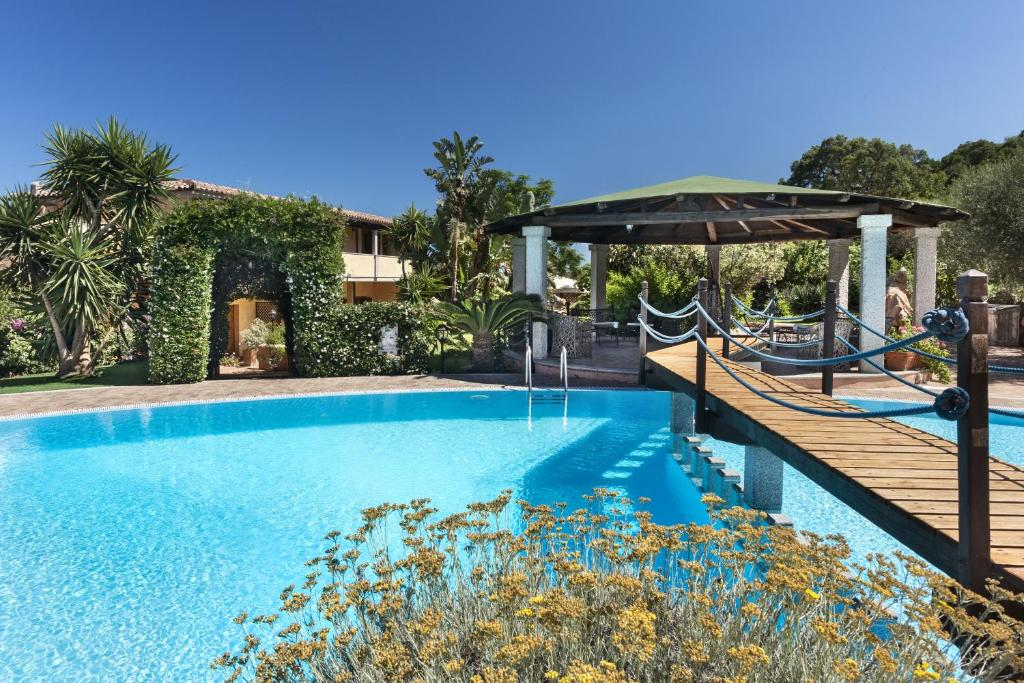 The swimming pool at or near Relais Fenicottero Rosa