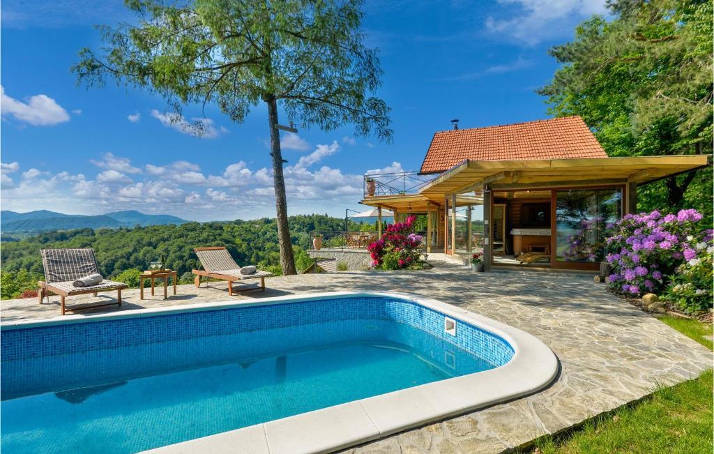 Stunning home in Lepoglava w/ Outdoor swimming pool, Sauna and 2 Bedrooms
