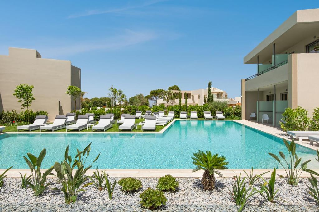 Piscina di Atlantica Amalthia Beach Hotel - Adults Only o nelle vicinanze