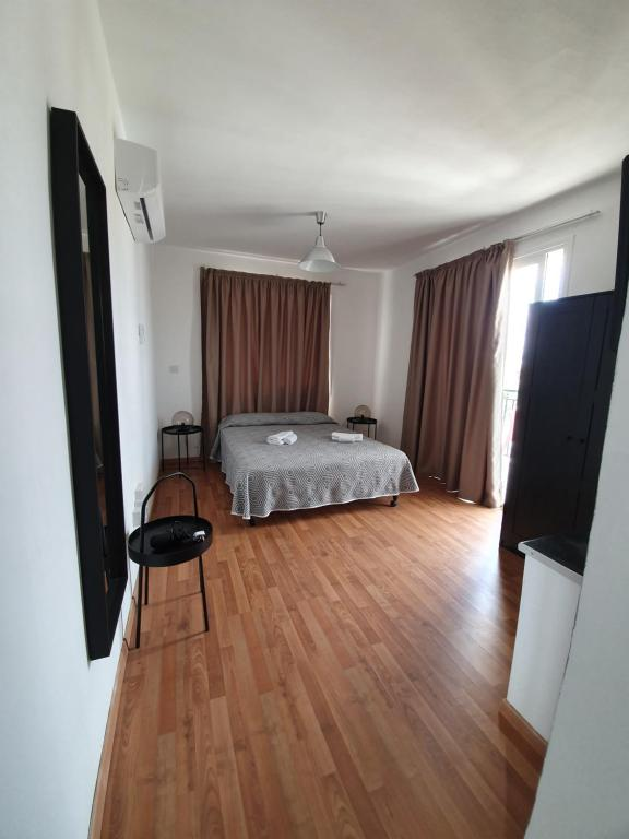 Valentinos Apartments - Laterooms