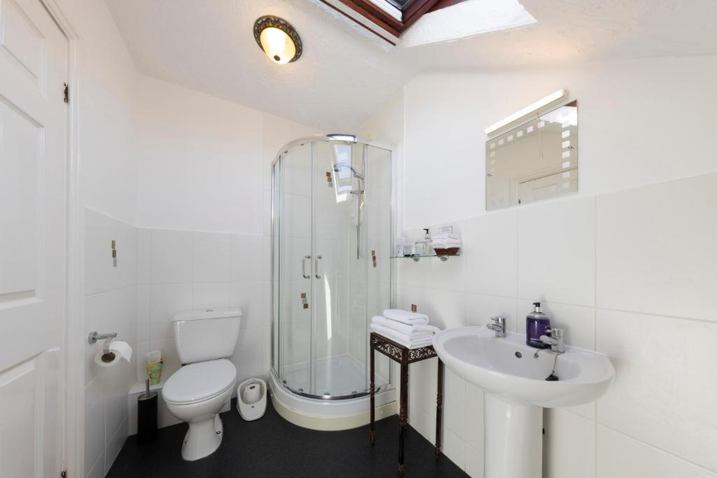 Geminian Guest House - Laterooms
