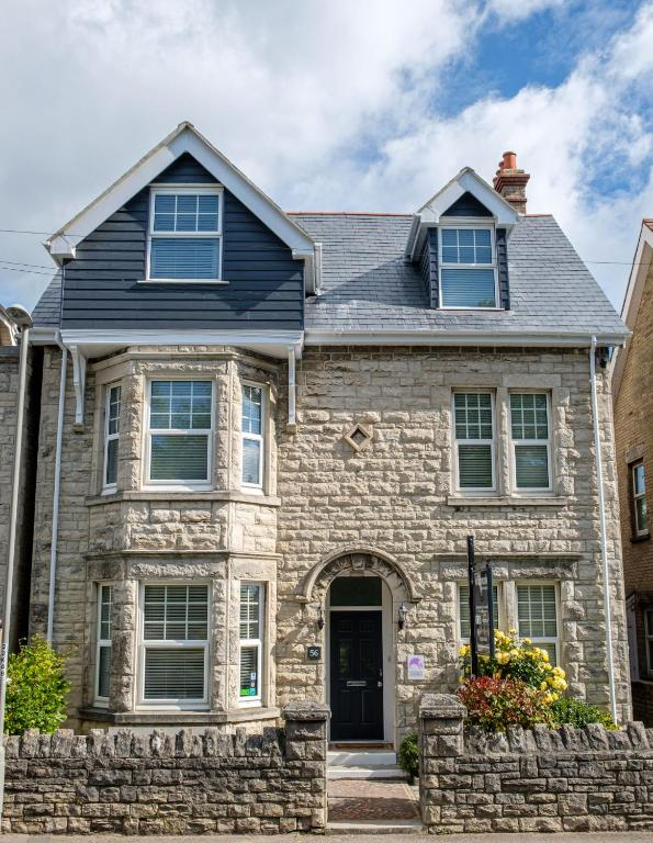 Millbrook Guest House in Swanage, Dorset, England