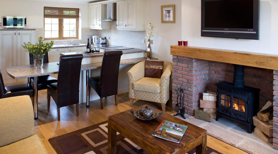 Red House Farm Cottages - Laterooms