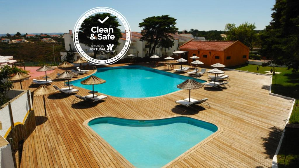 Вид на бассейн в Hotel Vale Da Telha или окрестностях
