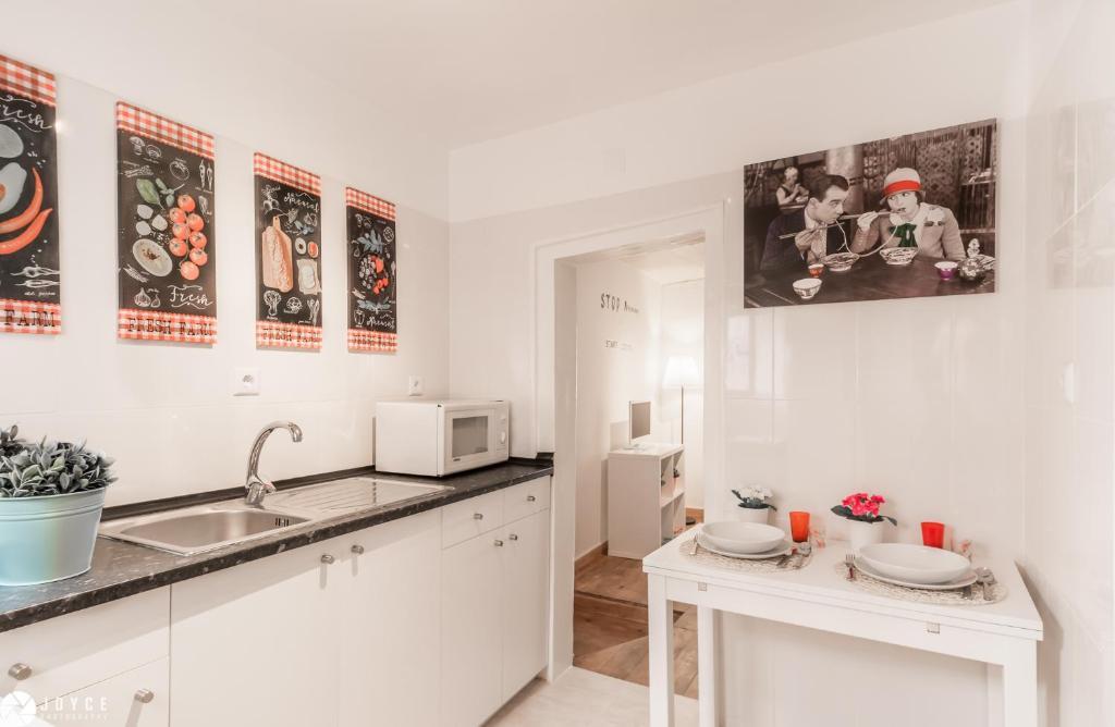 Lovelisbonapartments Typical Portuguese Tiles Lisbon Updated 2021 Prices
