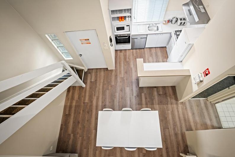 A kitchen or kitchenette at Broadwater Resort