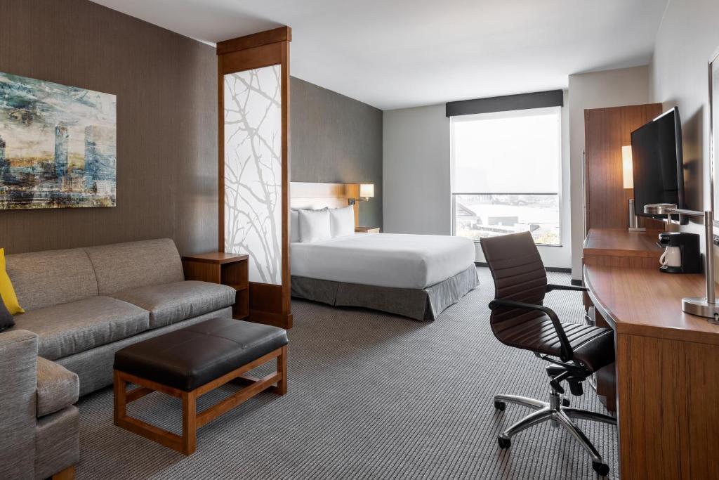 A room at the Hyatt Place Atlanta Centennial Park.