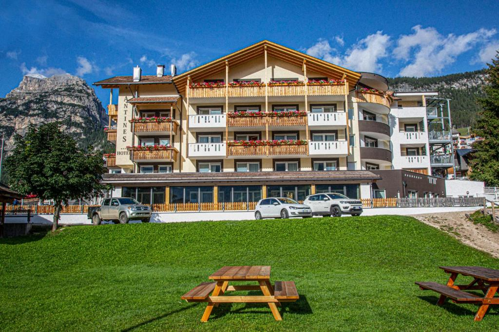 Hotel Antines La Villa, Italy