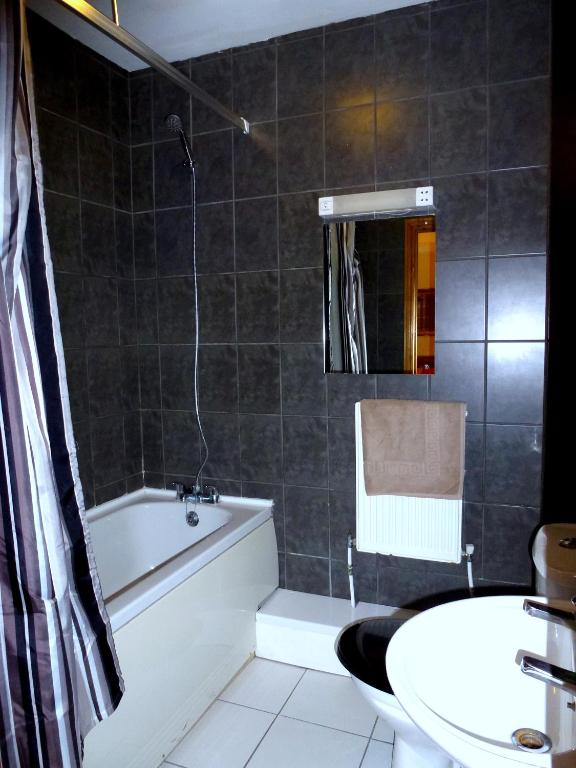 Riverside Hotel - Laterooms