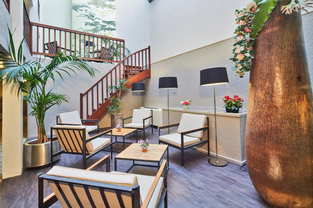 Kyriad Hotel Nevers Centre Nevers, France