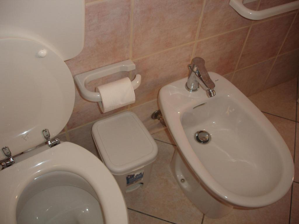 A bathroom at Monolocale Paese