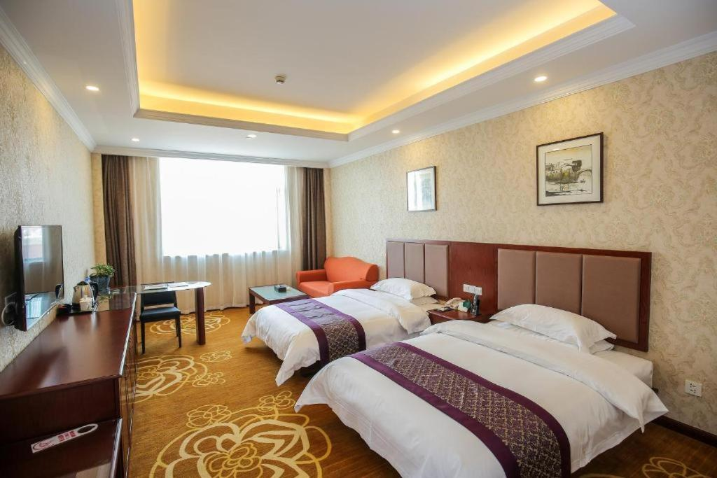 A room at the New Knight Royal Hotel Airport and International Resort.