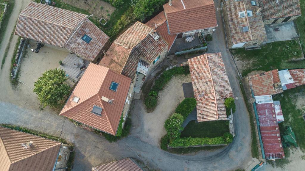 Vue panoramique sur l'établissement La Chomotte