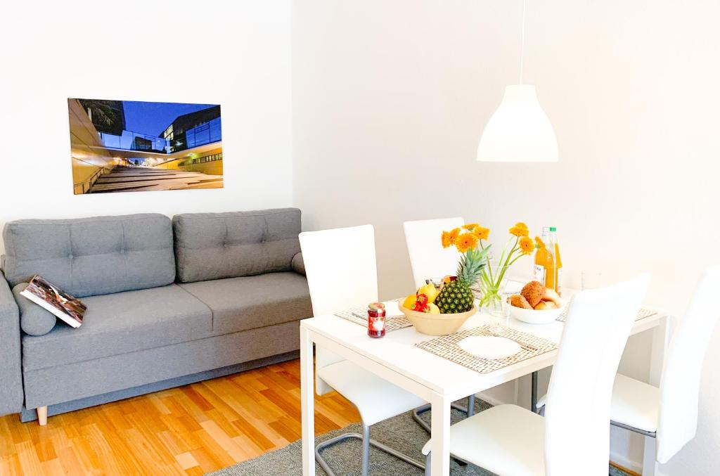 A seating area at Relax Aachener Boardinghouse Appartements Premium 1