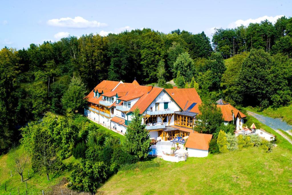 A bird's-eye view of Hotel Garni Loipenhof