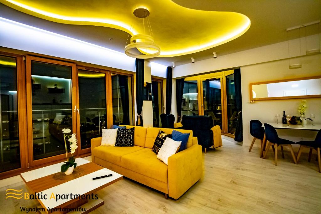 A seating area at Baltic-Apartments - Platan Tower