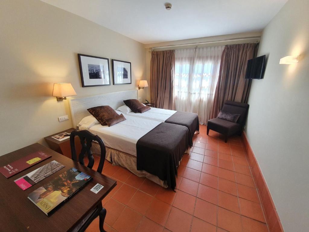 Hotel San Antonio el Real 4
