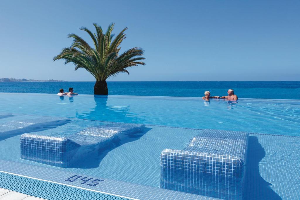 Piscina di Hotel Riu Palace Tenerife o nelle vicinanze