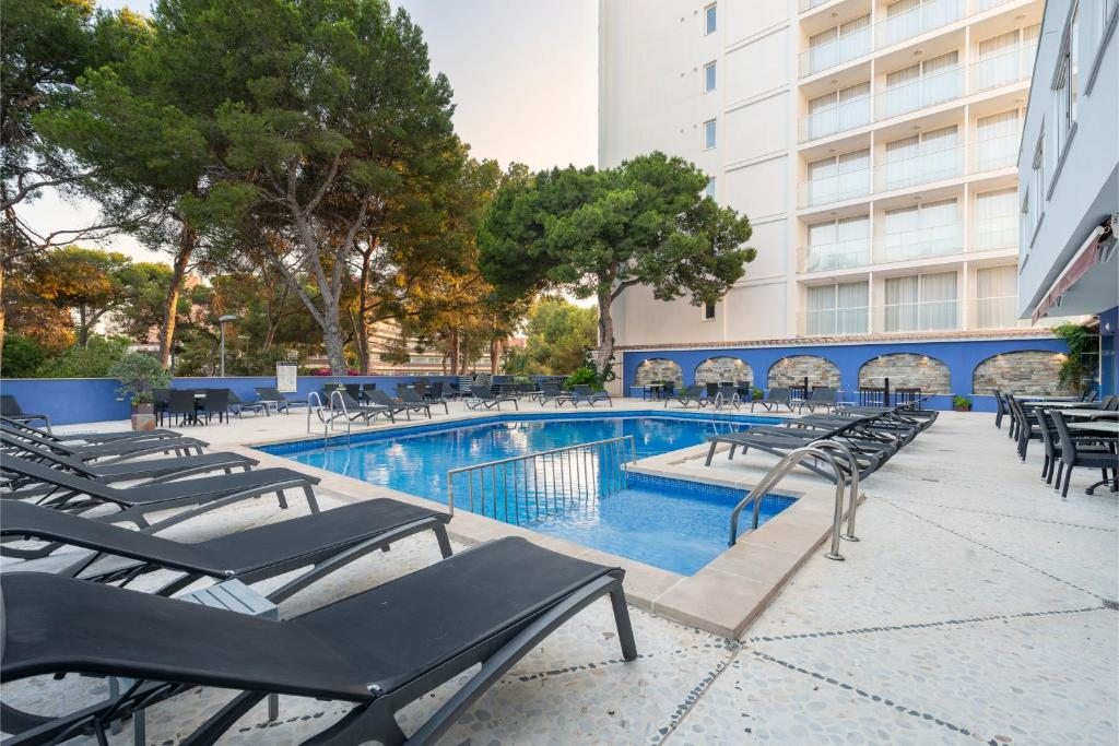 The swimming pool at or near Hotel Torre Azul & Spa - Adults Only