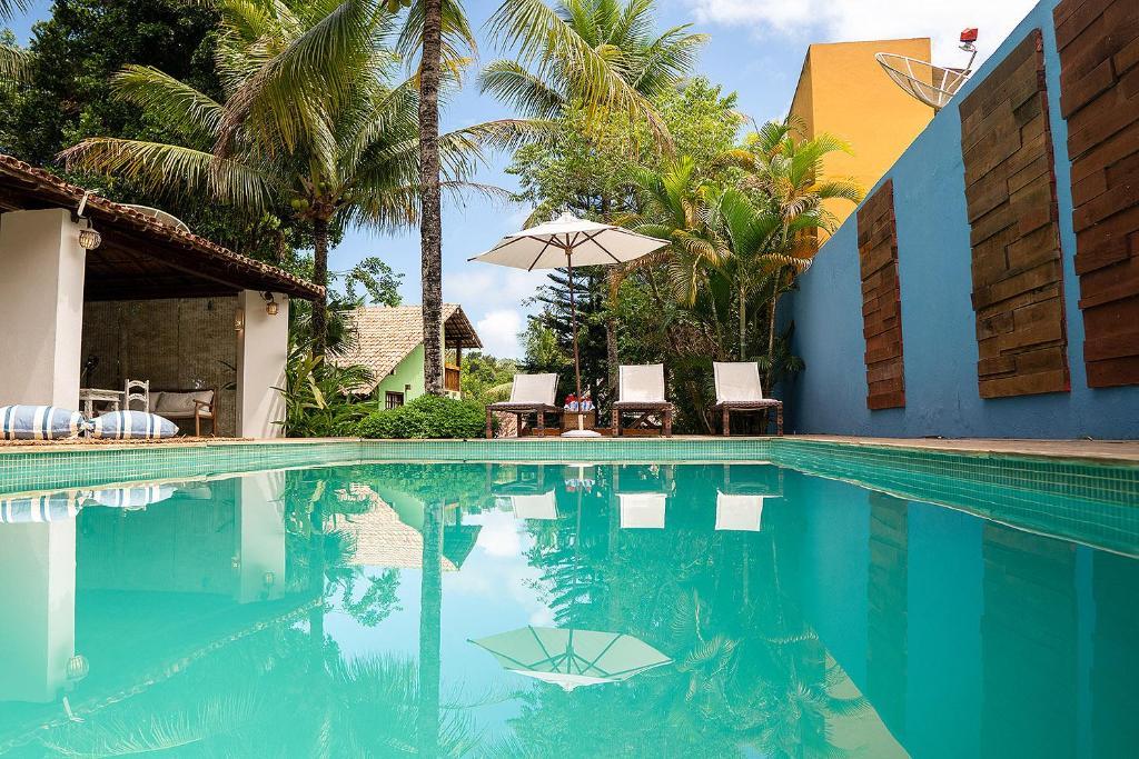 A piscina localizada em Calypso INN ou nos arredores