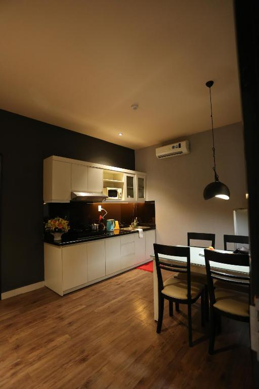 Nhà bếp/bếp nhỏ tại Diamond Suite Hai Ba Trung