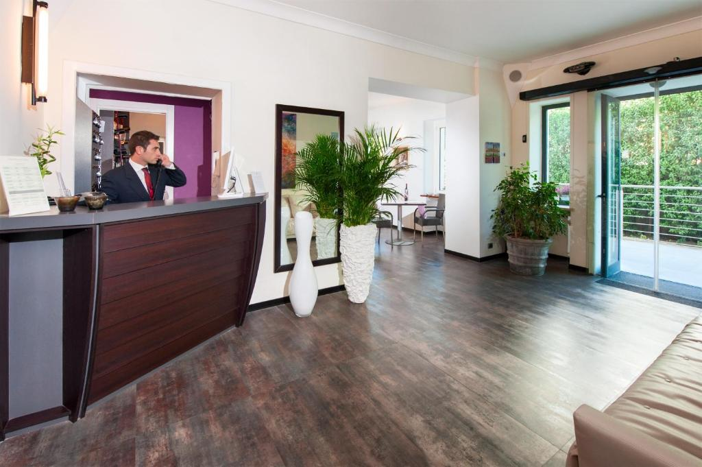 The lobby or reception area at Villa Maria Cristina