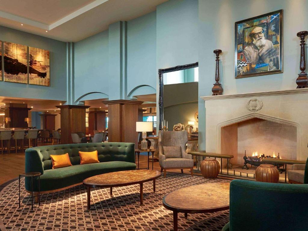 The lounge or bar area at Fairmont St Andrews, Scotland