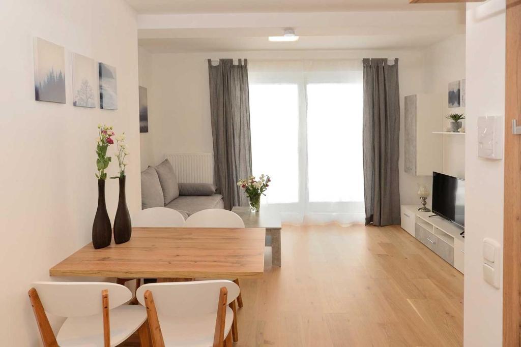 Apartment Serles