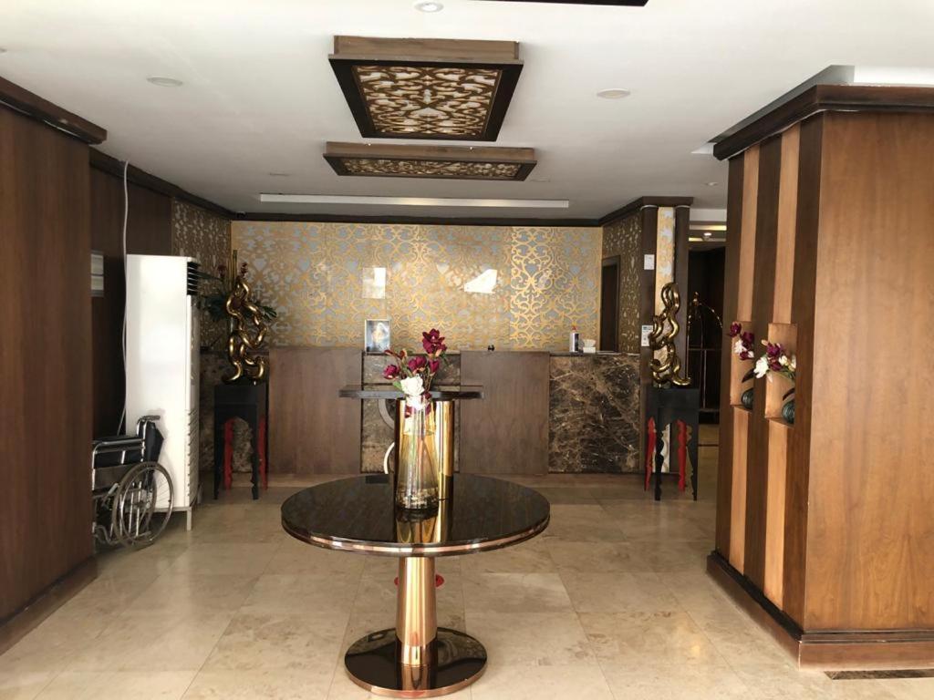 O saguão ou recepção de Stars Home Suites Hotel - Al Hamra