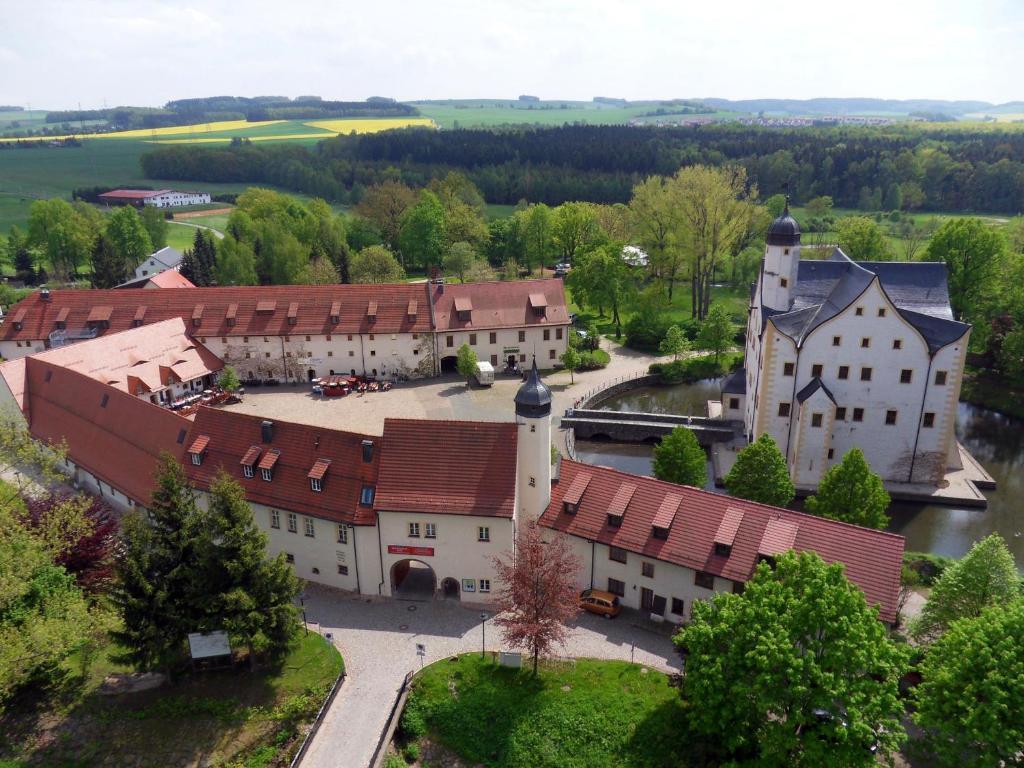 Una vista aérea de Schlosshotel Klaffenbach