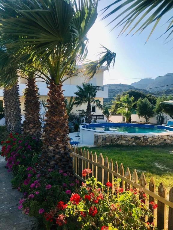 The swimming pool at or close to Villa Doxa