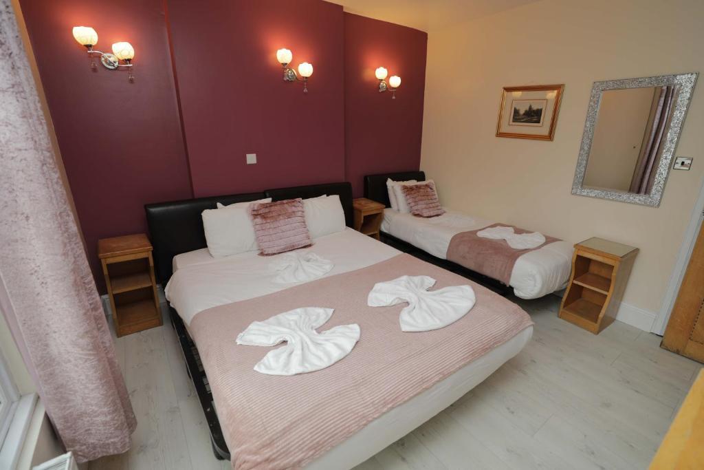 A room at the Holland Inn Hotel.