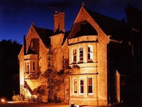 Burcombe Manor - Laterooms