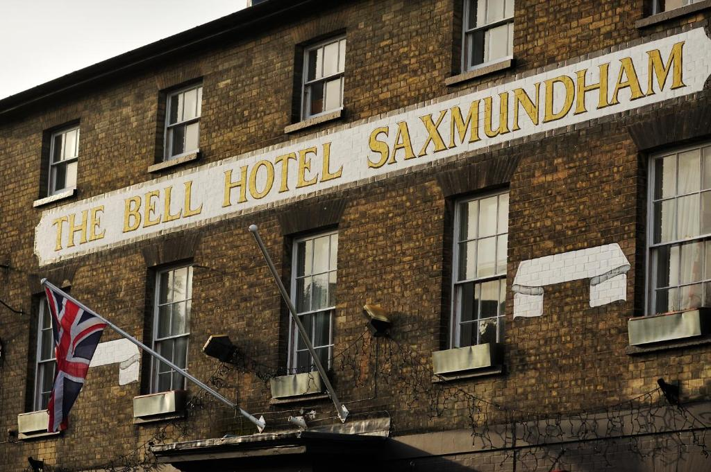 The Bell At Sax' - Laterooms