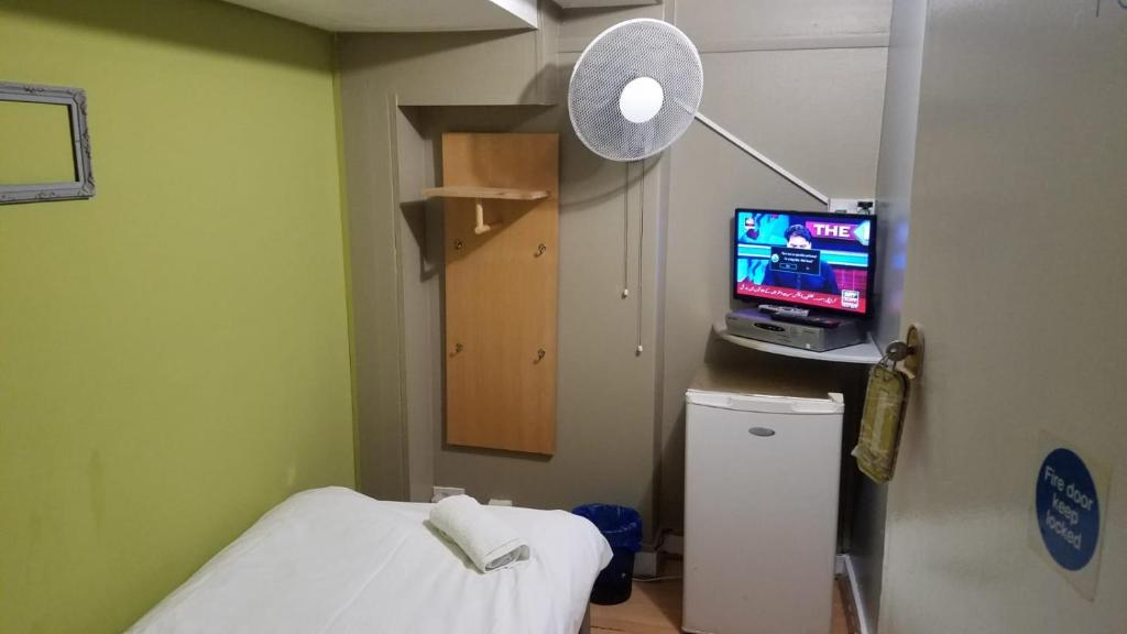 A room at the City View Hotel Roman Road.