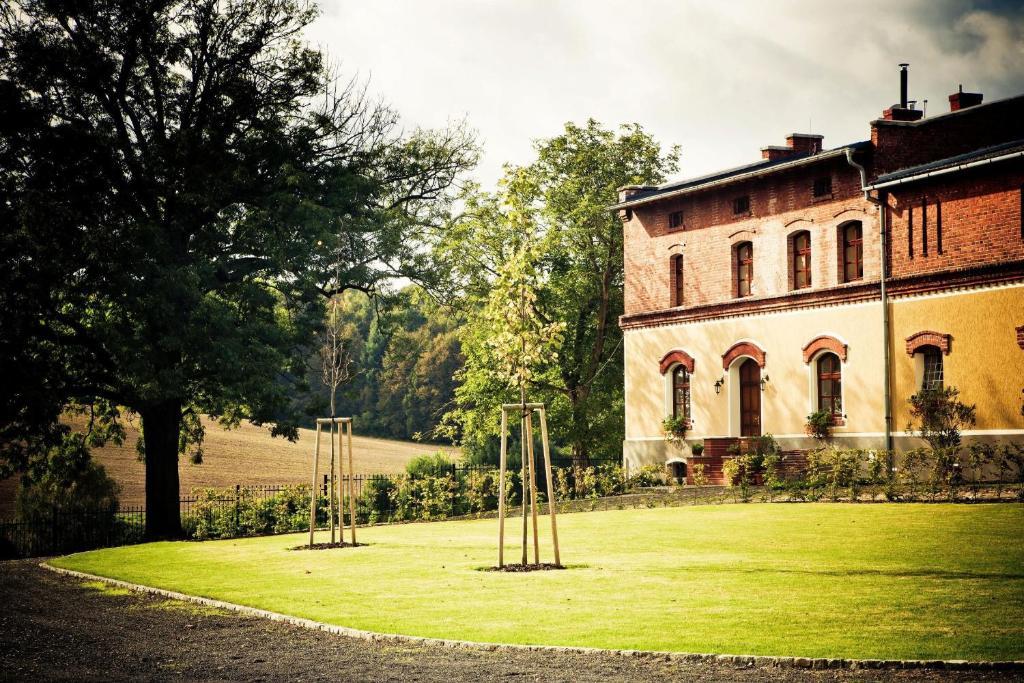 Budova, kde se farma nachází