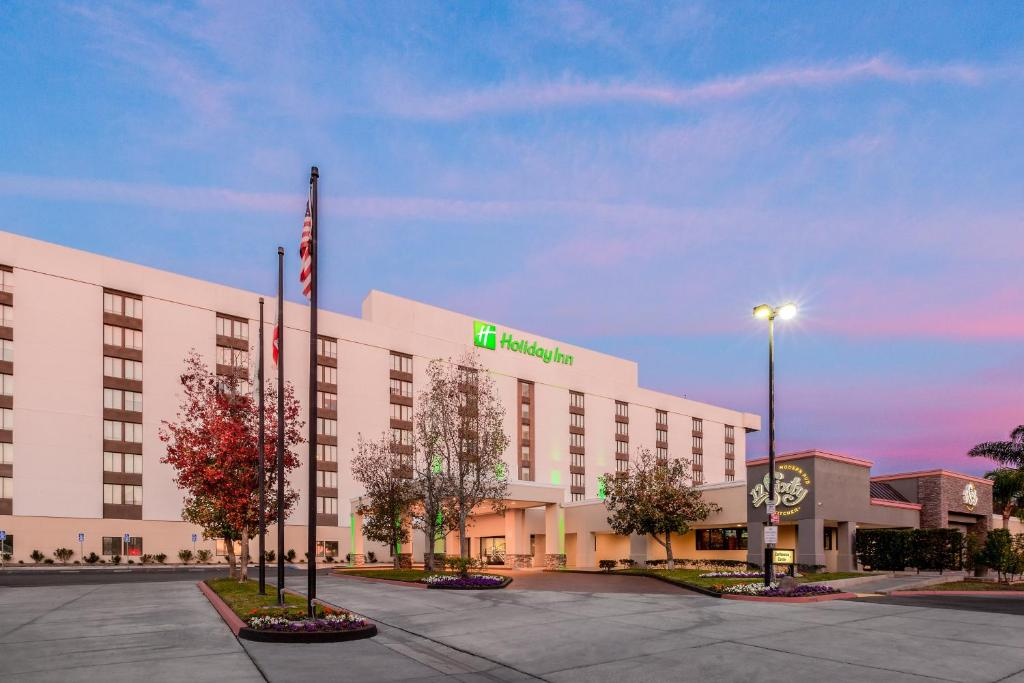 The Holiday Inn La Mirada Near Anaheim.