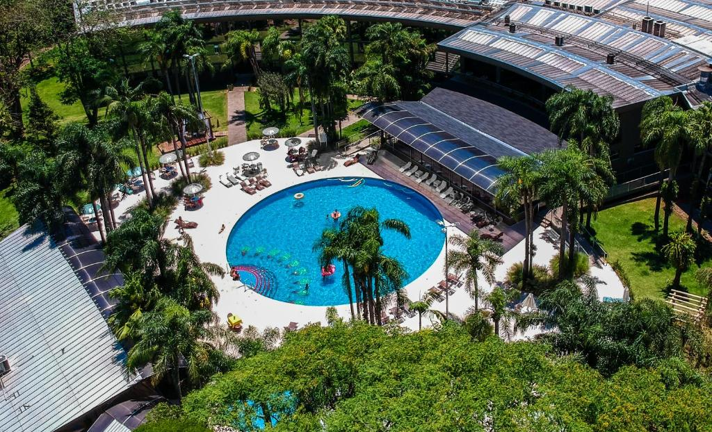 A view of the pool at Vivaz Cataratas Hotel Resort or nearby