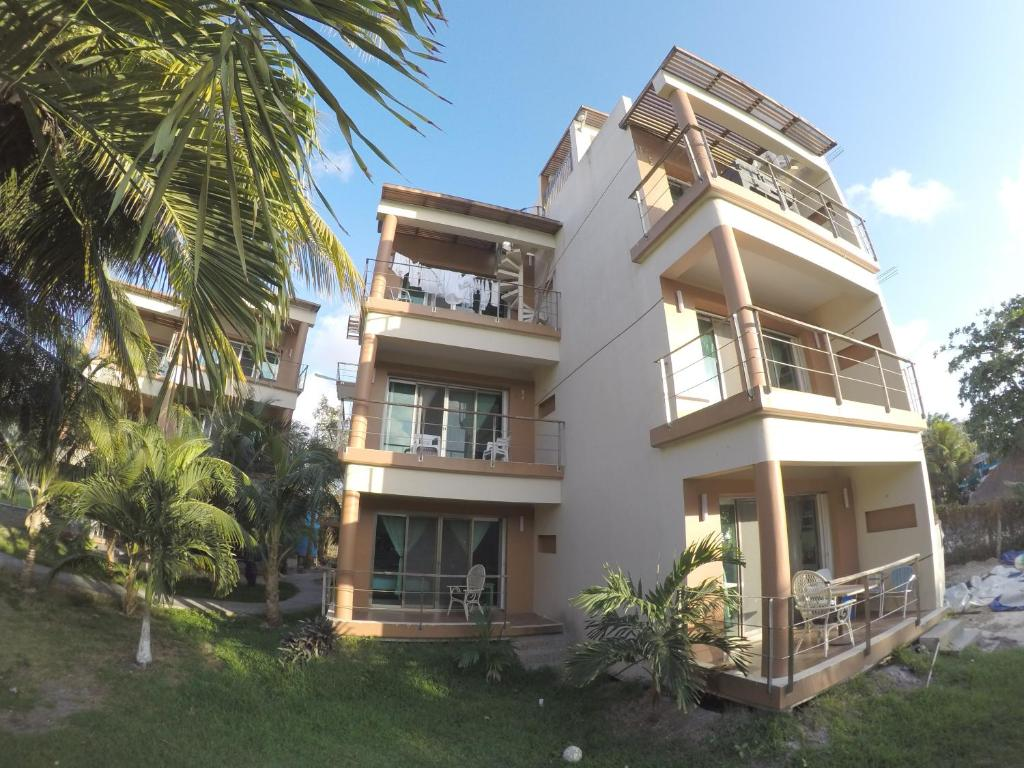 Cozumel front Beach Apartment with Sunset View Muuyal